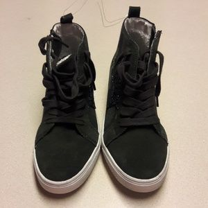 Women's Steve Madden high top sneakers